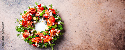 Christmas wreath of festive appetizer Fototapet