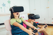 Little Kids In Virtual Reality...