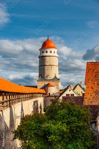 Obraz Stadtansicht von der Altstdt Nördlingen in Bayern - fototapety do salonu