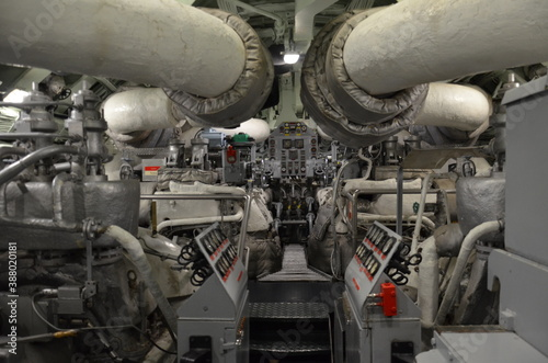 Foto sous-marin salle des machines moteur
