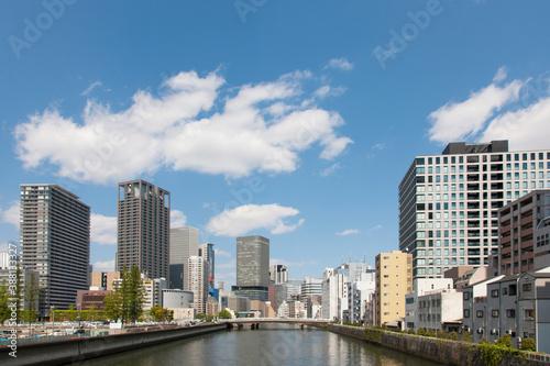 Fototapeta 土佐堀川より望む大阪のビル群