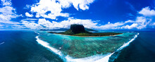 Mauritius, Helicopter Panorama...
