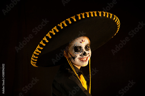 Canvastavla day of the dead, latin party, child disguised as a skull