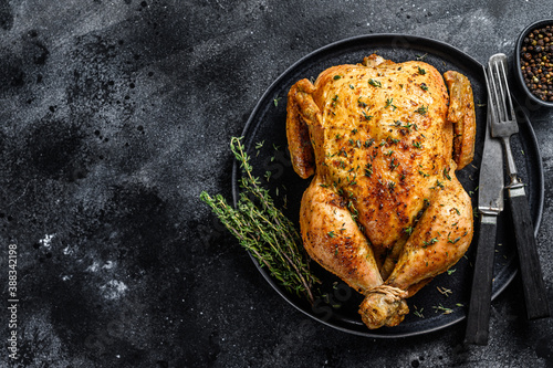 Papel de parede Homemade whole baked chicken rotisserie with thyme