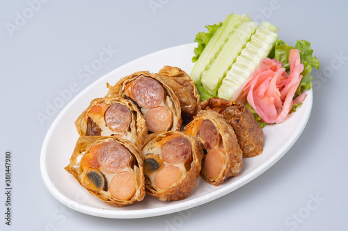 "Cuadros en Lienzo ""Hae Keung"" deep-fried shrimp rolled or shrimp ball wrapped with tofu skin"