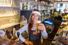 Bartender With Face Shield,cov...