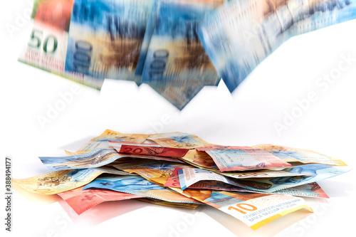 Photo Geld fliegt zu! Schweizer Franken