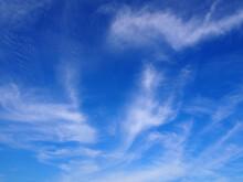 爽やかな青空と雲
