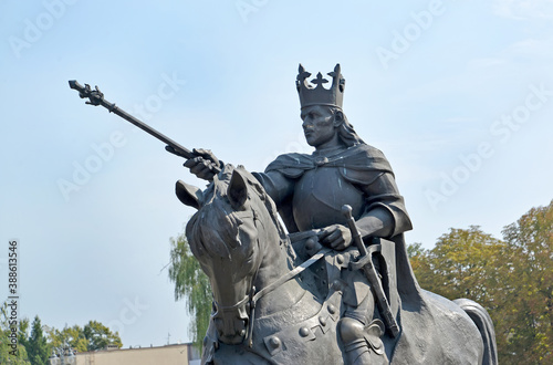 Tablou Canvas MARLBORK, POLAND - AUGUST 24, 2018: Fragment of the monument to the Polish king