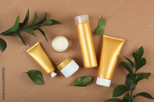 a set of beauty products for skin or hair care Billede på lærred