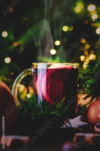 Papel de parede Heißer Glühwein im Glass zur Weihnachtszeit