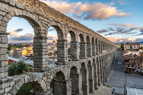Fotografie, Obraz The famous Roman aqueduct of Segovia in Spain