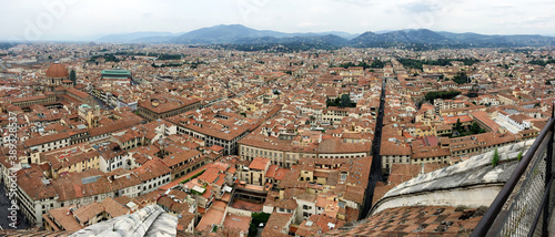 Foto View across the narrow streets and terracotta rooftops of the centre of Florence