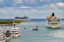 Luxury Modern Cruiseship Or Cr...