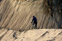 Faire Du Vélo Dans Un Pit De ...