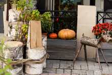 Autumn Decor With Natural Stra...