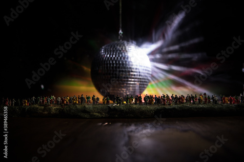 Canvastavla Colorful disco mirror ball lights night club background
