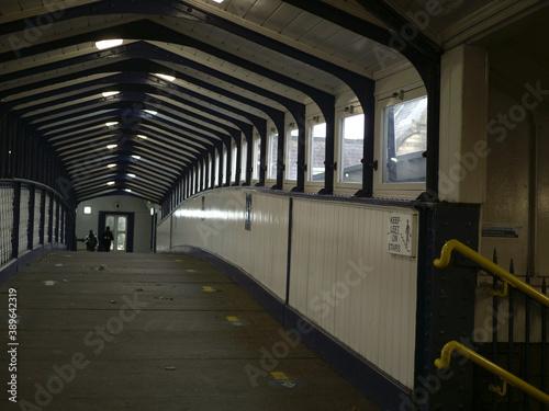 Fényképezés Subway access to footbridge