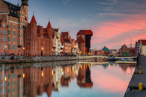 Fotografiet Gdansk with beautiful old town over Motlawa river at sunrise, Poland