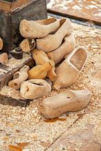 Fabrication De Sabots De Bois