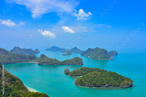Foto Breathtaking view of the many islands of the Ang Thong Marine Park