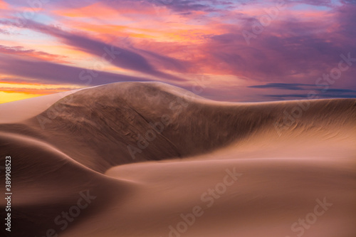 Photo landcape with awesome sunset sky over Namib Desert in Namibia, southern Africa
