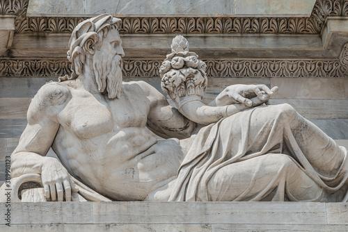 Sculptures of Roman at the Neptune Triumphal Arch called Arch of Peace (Porta Se Billede på lærred