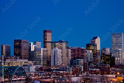 Foto Downtown Denver Lights - Denver skyline and downtown city lights rise above the