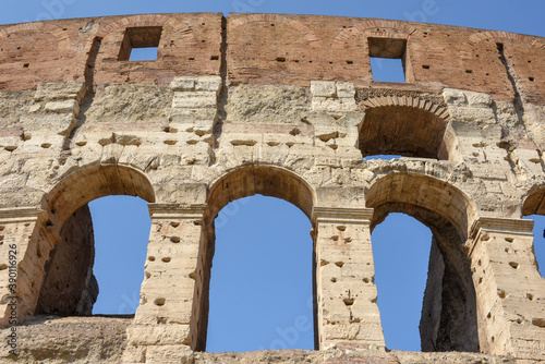 Foto Detail of the roman Colossum in Roma, Italy