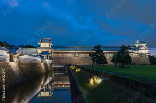 金沢城公園 三の丸広場ライトアップ Fotobehang