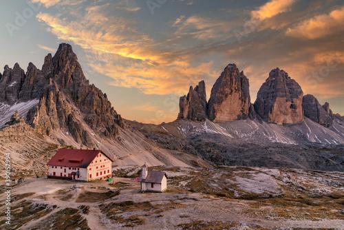 Obraz Tre Cime di Lavaredo peaks or Drei Zinnen, Dobbiaco - Toblach, Trentino - Alto Adige or South Tyrol, Italy - fototapety do salonu