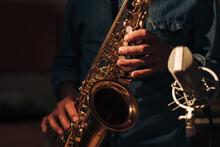 Recording Saxophone Sounds
