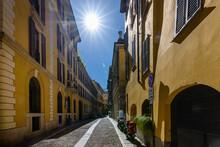Milano, Vie Del Quartiere Di B...
