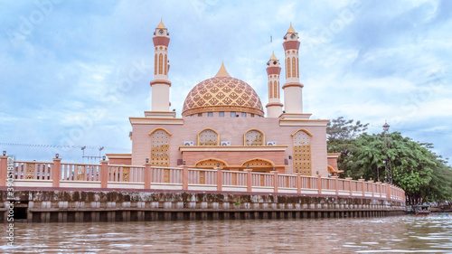 Beautiful mosque on Karang Mumus Riverbank, Samarinda, Indonesia Canvas