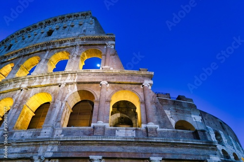 Foto colosseum in rome, photo as a background in old italian roman capital city, rome