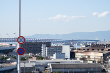 大阪市大正区の工業地帯と三つの巨大な橋