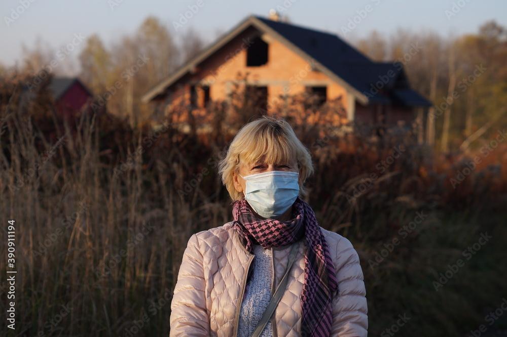 Fototapeta czas pandemii ponowny atak wirusa grypy izolacja z dala od innych