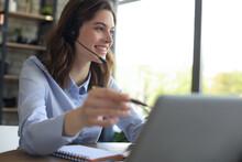 Freelance Operator Talking Wit...