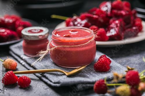 homemade raspberry jam or confiture Fotobehang