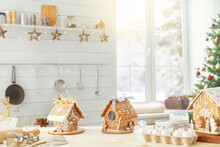 Christmas Gingerbread Houses O...