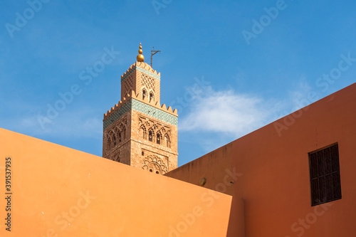 Koutoubia mosque minaret and exterior n Marrakech Fototapet