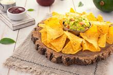 Traditional Corn Chip Nachos W...