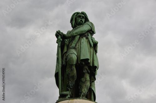Fotografering Low angle shot of the Vercingetorix Monument captured in Burgundy, France