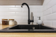 Black Water Tap Sink With Fauc...