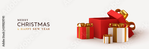 Foto Christmas red pile Empty Open gift box template