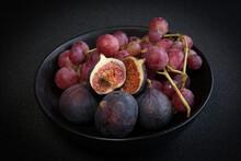 Feige Und Weintrauben