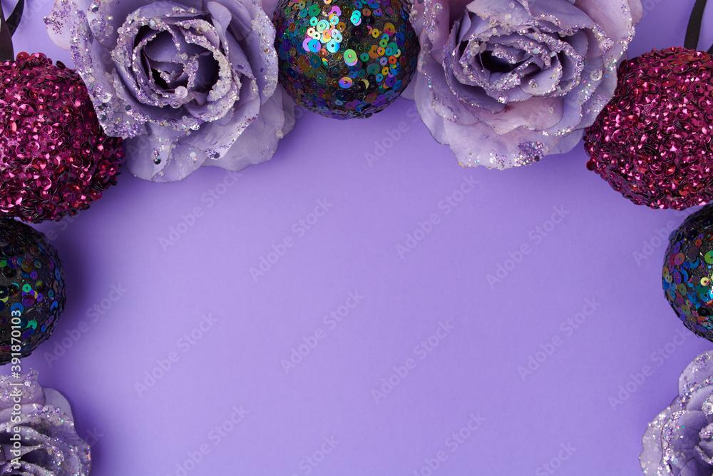 Fototapeta flat lay with christmas balls on purple background