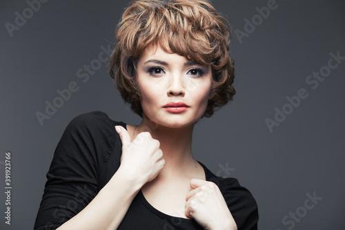 Beauty fashion portrait of asian woman Fotobehang