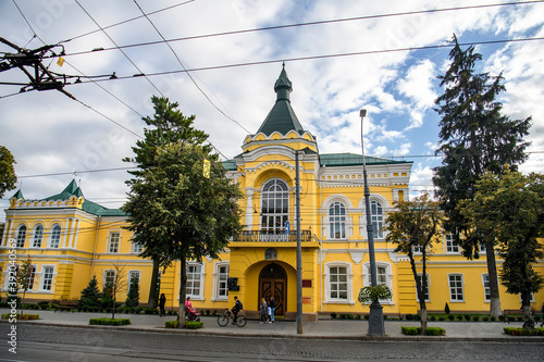 General view of Eclectic palace with elements of ancient and Byzantine architecture in Vinnytsia, Ukraine Billede på lærred