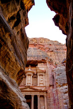 The Treasury Of The Ancient Ruined City Of Petra, Jordan